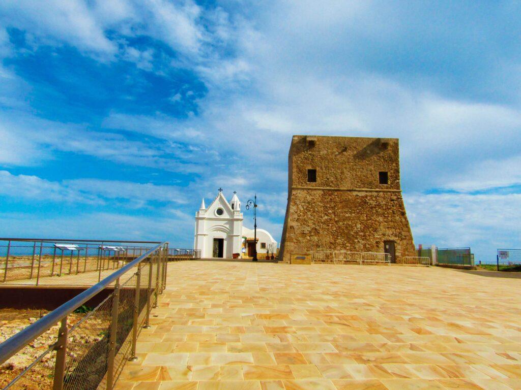 Chiesa-di-CapoColonna–e-Torre-Nao—Vista-Frontale 15:11:19